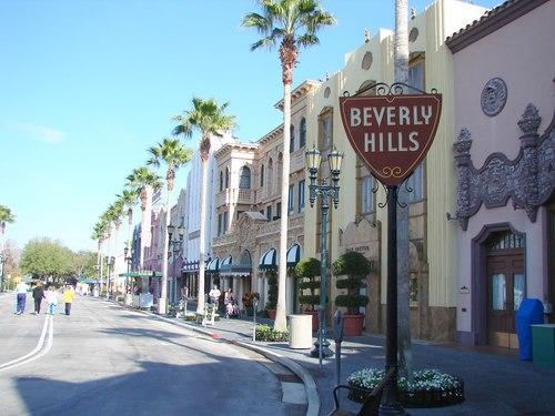 Hành trình thăm nhà các sao Hollywood