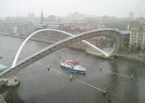 Cây cầu nghiêng duy nhất trên thế giới