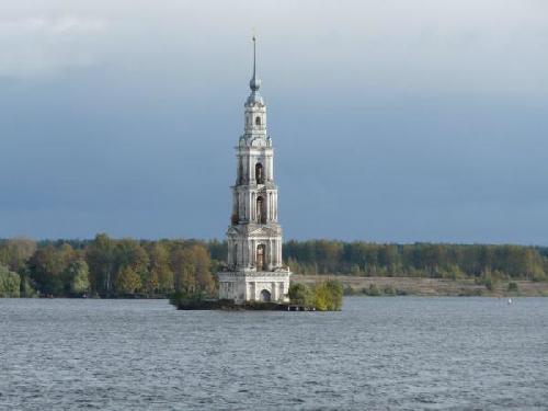 Những nhà thờ nổi trên mặt nước