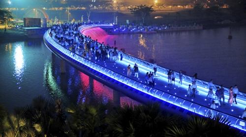 Sài Gòn qua những cây cầu
