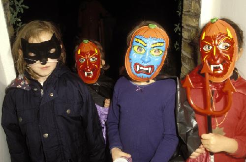 Halloween vòng quanh thế giới