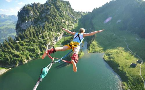 25 năm bungy jumping, trò chơi mạo hiểm nhất