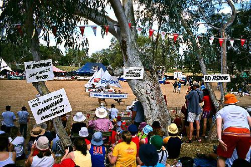 Cuộc đua thuyền không cần nước ở Australia