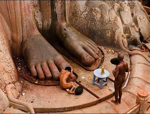 Giáo phái khoả thân ở Ấn Độ
