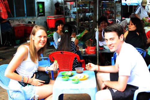 Quán vỉa hè được Tây balô săn lùng ở Sài Gòn
