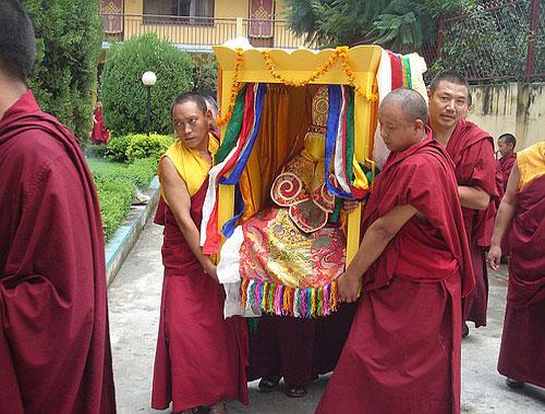 Các tục mai táng khác của người Tây Tạng