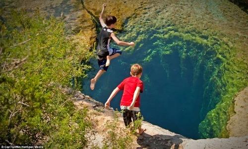 Giếng Jacob, điểm lặn nguy hiểm nhất Texas