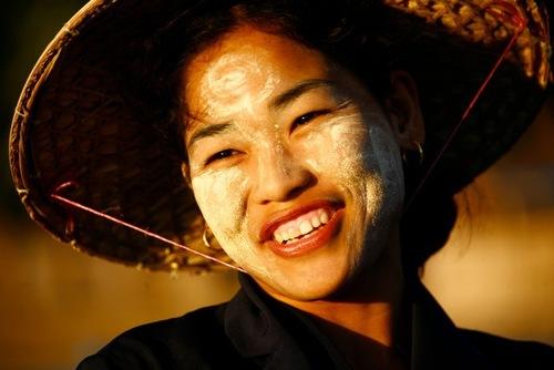Kem chống nắng kiểu Myanmar