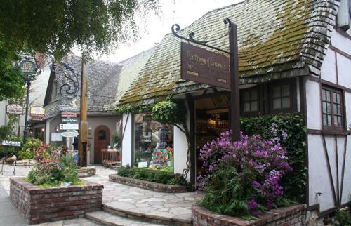 Carmel, thành phố nghệ thuật ven biển ở Mỹ