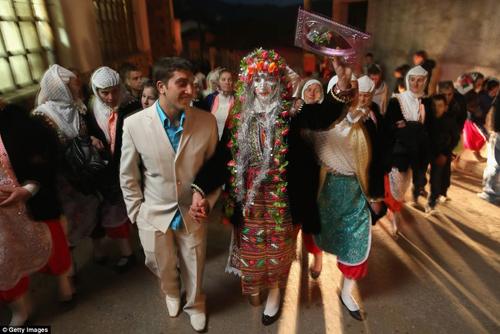 Đám cưới kỳ lạ ở Ribnovo