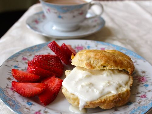 Trà kem, món ăn hấp dẫn của ẩm thực Anh