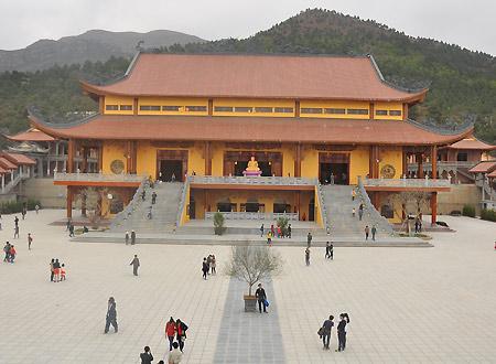 Ngôi chùa có chính điện lớn kỷ lục Việt Nam