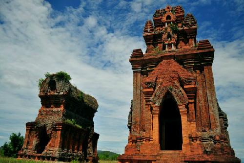 Dấu tích Chăm cổ kính ở miền đất võ Bình Định