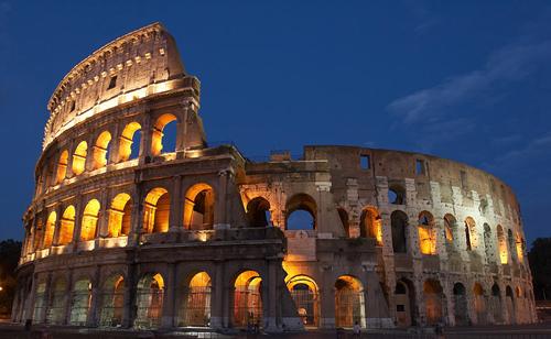 Các hãng thời trang ra tay cứu tàn tích ở Rome