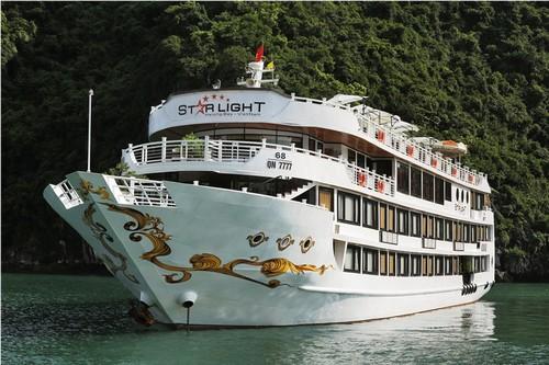 Đi du thuyền 5 sao Starlight với giá 5.000 đồng