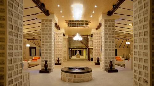 Khách sạn làm từ muối ở Bolivia