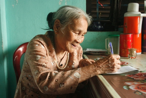 Ngôi làng quy tụ những hướng dẫn viên tuổi 80