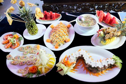 Gần 100 đầu bếp trổ tài trong Festival ẩm thực Nha Trang