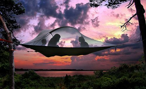 Cắm trại qua đêm với lều trên không