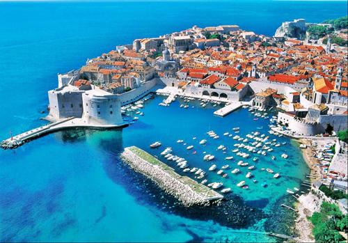 Du khách Đức bị truy bắt ở Croatia vì khỏa thân