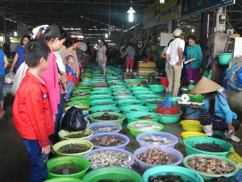 'Đổi gió' ở Cần Giờ bằng hải sản