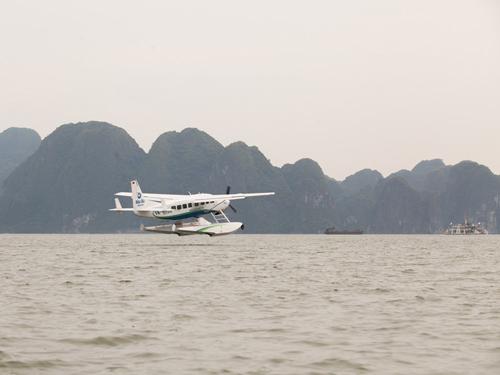 Du lịch Hạ Long bằng thủy phi cơ với giá ưu đãi