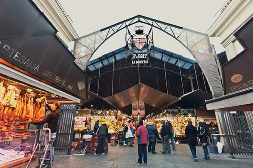 Những khu chợ giá rẻ đông khách nhất thế giới