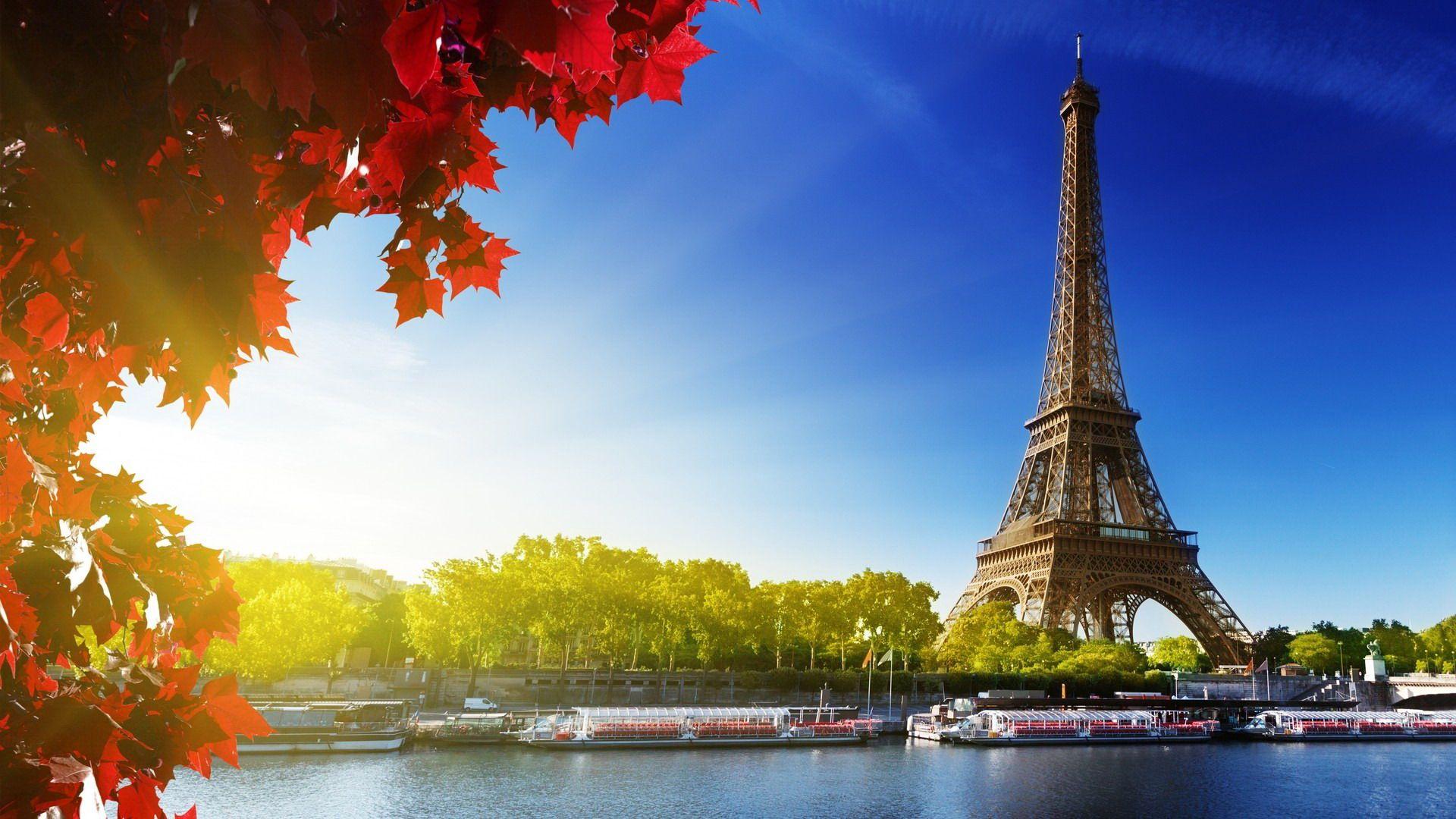 Paris, người tình trăm năm quyến rũ