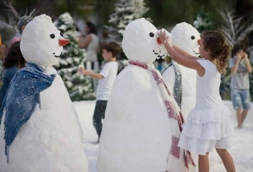 6 khu chợ giáng sinh kỳ quặc nhất thế giới