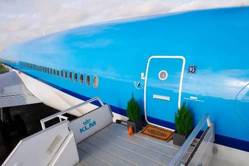 Bên trong phòng trọ miễn phí trên máy bay