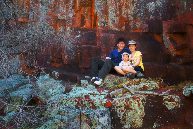 Cặp đôi người Australia đi phượt cùng con nhỏ