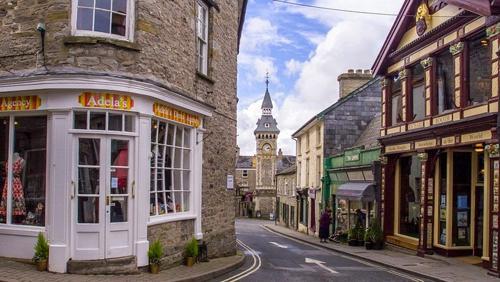Hay-on-Wye, thị trấn nhỏ cho người yêu sách