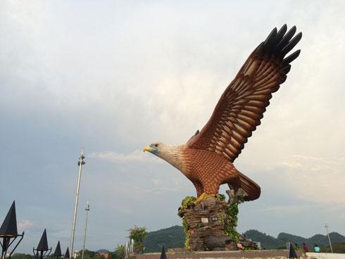 Làm bạn với 'vua bầu trời' tại Langkawi