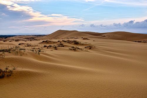 Những đồi cát nổi tiếng ở miền Trung