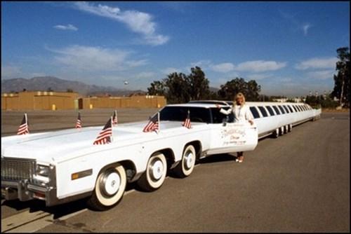 """""""Siêu xe"""" Limousine dài 30 mét giá hơn 90 tỷ đồng"""