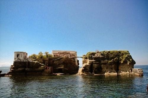 10 hòn đảo kỳ quặc nhất hành tinh