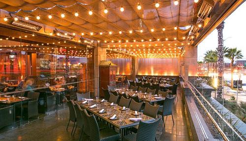 9 nơi dễ gặp người nổi tiếng trên bàn ăn nhất ở Mỹ