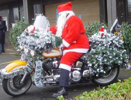 Phương tiện di chuyển của ông già Noel ở các nước