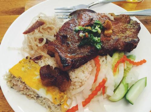 10 món ăn Sài Gòn cứ đi xa lại nhớ
