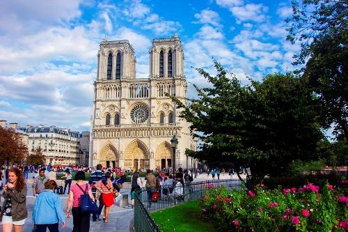 20 điểm khác biệt thú vị giữa du khách và người dân Paris