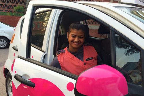 Ấn Độ cung cấp dịch vụ taxi hồng chống yêu râu xanh