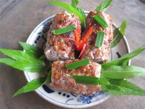 Chả thịt lam, món ngon gọi mời khách đến xứ Thanh