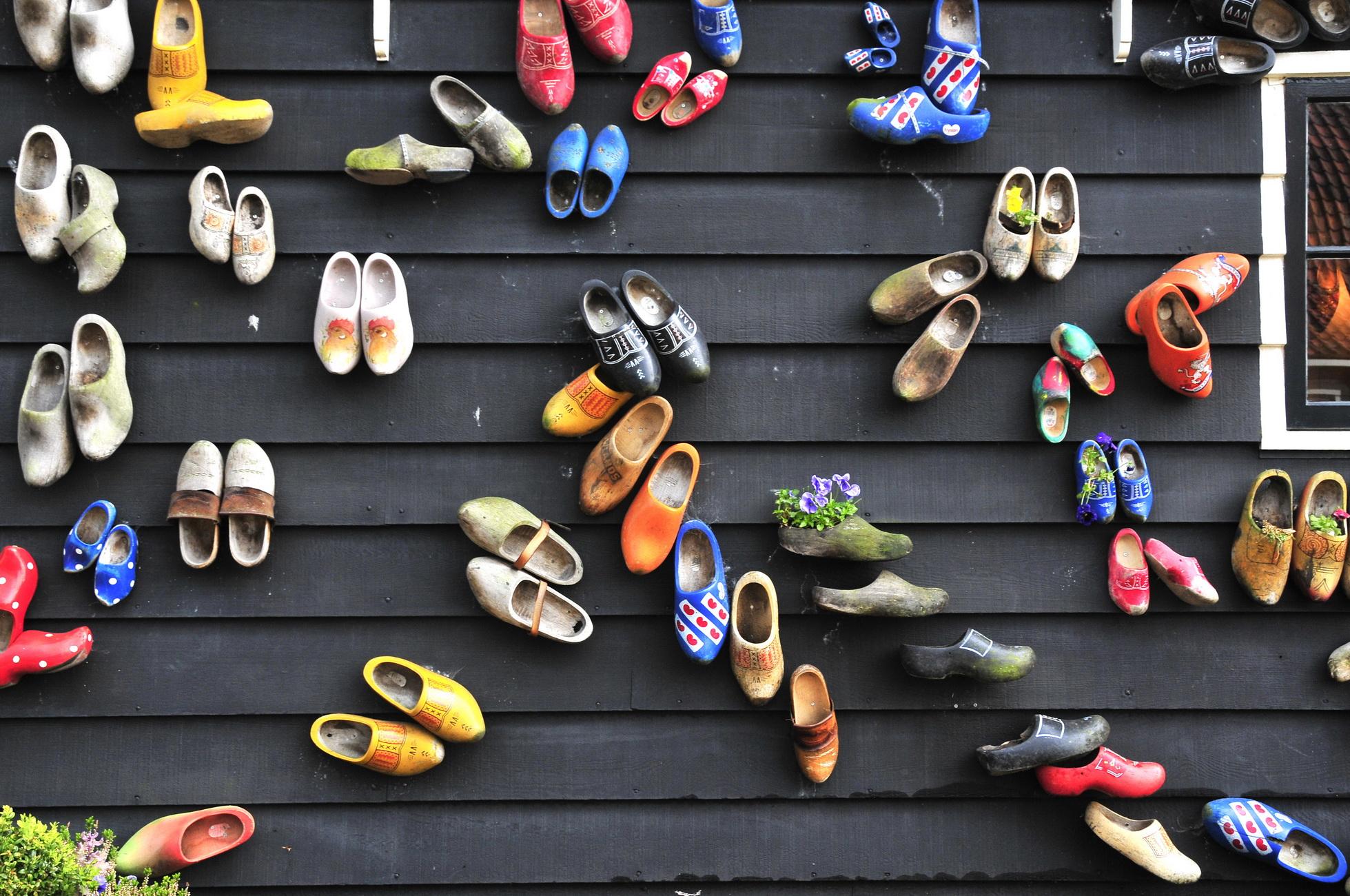Chuyện về đôi giày gỗ Clog nổi tiếng ở Hà Lan