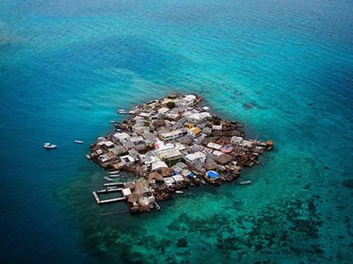 Du lịch tới hòn đảo chật chội nhất thế giới: chỉ rộng 0,1km2