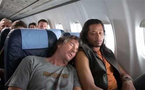 Những tình huống khó xử của du khách khi đi máy bay