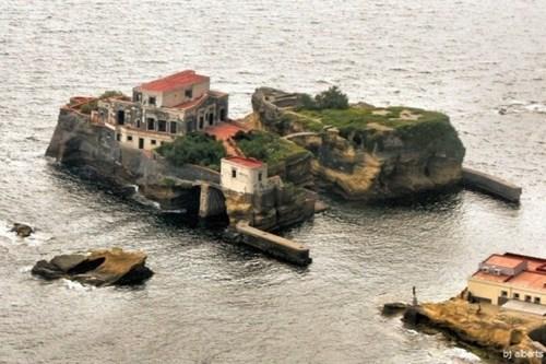 Gaiola - Hòn đảo bí ẩn mang lời nguyền chết chóc