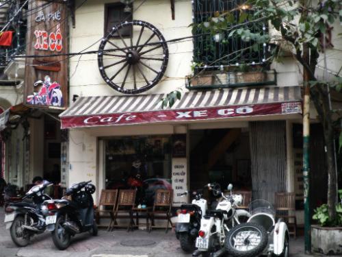 Không gian gợi nhớ một thời đã qua ở quán cà phê Xe Cổ