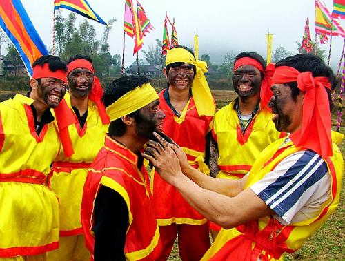 Lễ hội bôi mặt nhọ ở Lạng Sơn