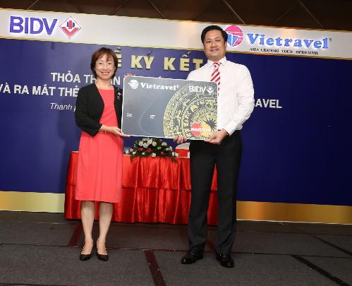 Vietravel cùng MasterCard, BIDV ưu đãi du khách