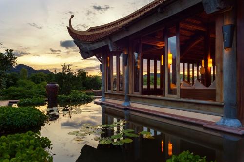 Không gian xanh mát tại Emeralda Resort Ninh Bình